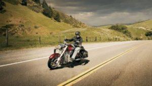 cum se conduce motocicleta